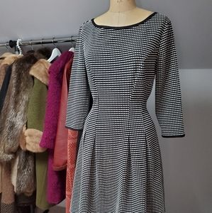 Black and White Exposed Zipper Dress